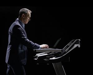 Read & Exercise: 3 Exercise Machine Desks