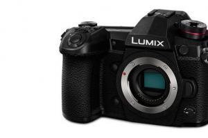 3 Essential Panasonic LUMIX G9 Accessories