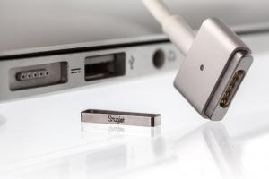 3 Decent MagSafe 2 Accessories for MacBooks
