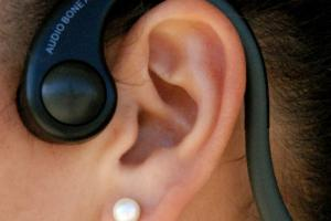 5 Bone Conduction Headsets for Your Smartphones / MP3 Players