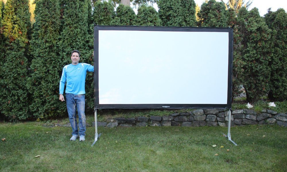 5 Portable Projection Screens for Projectors