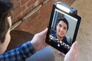 4 Selfie Lights for Smartphones & Tablets