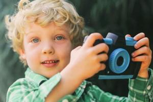 Pixlplay Turns Your Smartphone Into a Kids Camera