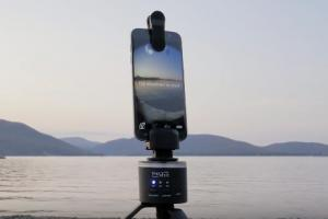 theVRkit Turns Your Smartphone Into a VR Camera