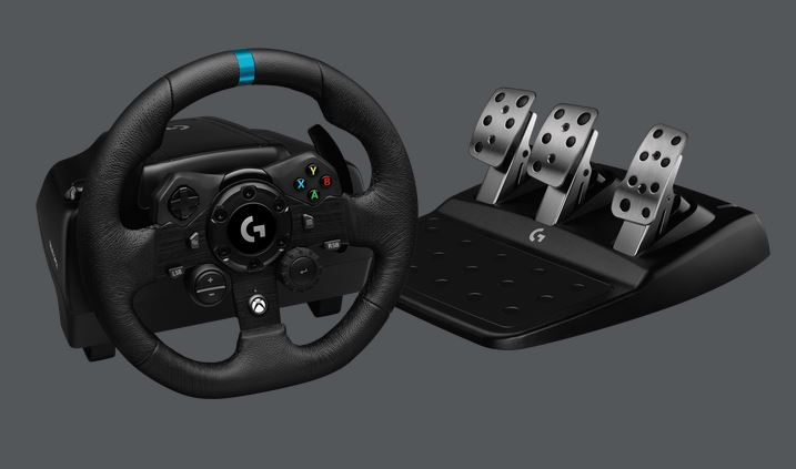 Logitech G923 Racing Wheel with TRUEFORCE for PlayStation 4 & 5
