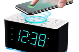Emerson Alarm Clock Radio with Bluetooth 5.0 & 15W Wireless Charger